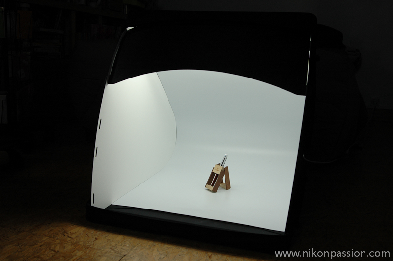 Photographing objects: the packshot studio