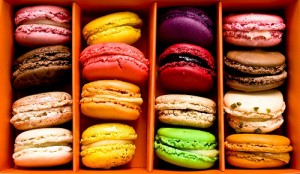 Macaroons mix colours photo box