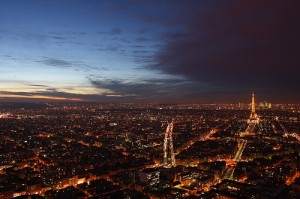 night photo paris tripod